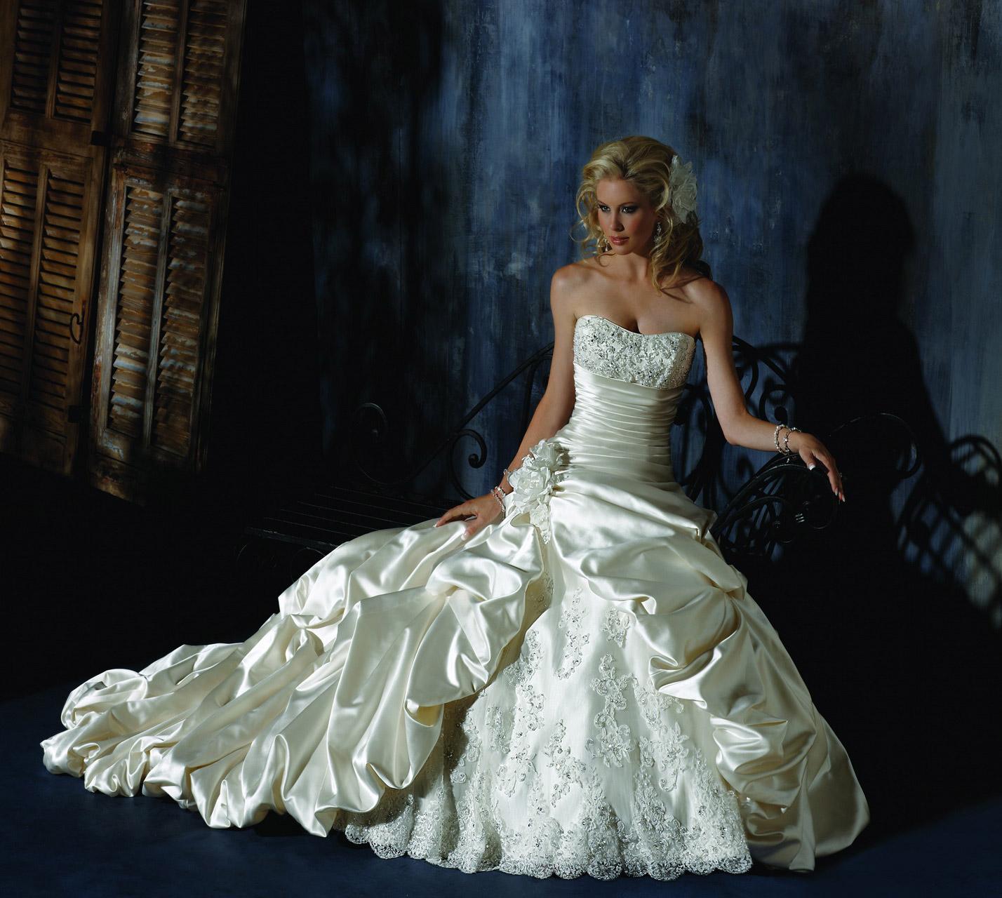 Abiti Da Sposa Del 700.Abiti Da Sposa 2014 Maggie Sottero Roma Salem Spose