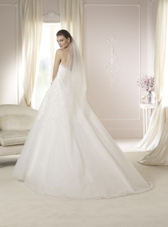 Modello Danila  Abiti da sposa W1 White One 2015  Salem Spose