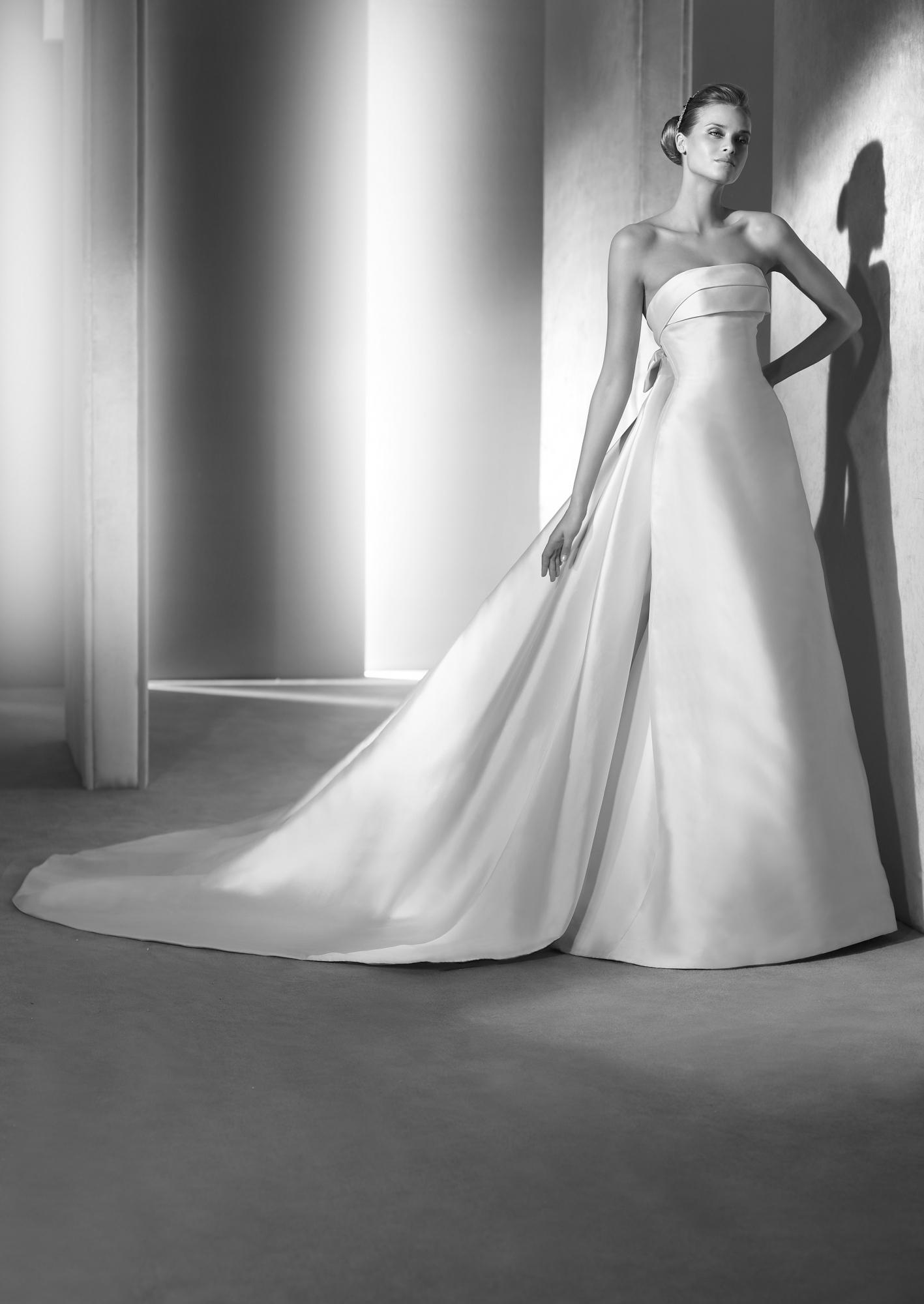 0880b62c6f7d Abiti da sposa 2018 Atelier Pronovias